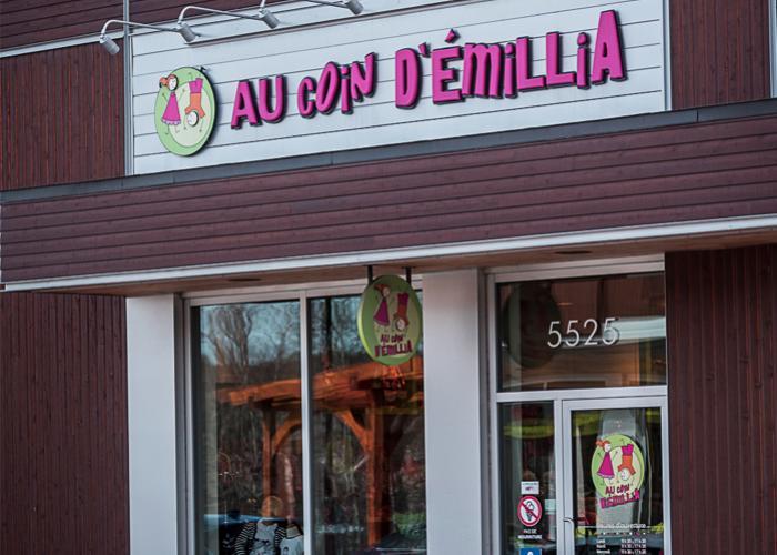 clients/au-coin-demillia-boutique-pour-enfants/pres_au-coin-demillia-boutique-pour-enfants-facade-de-la-boutique-au-coin-demillia-facadeaucoindemillia-110229.jpg