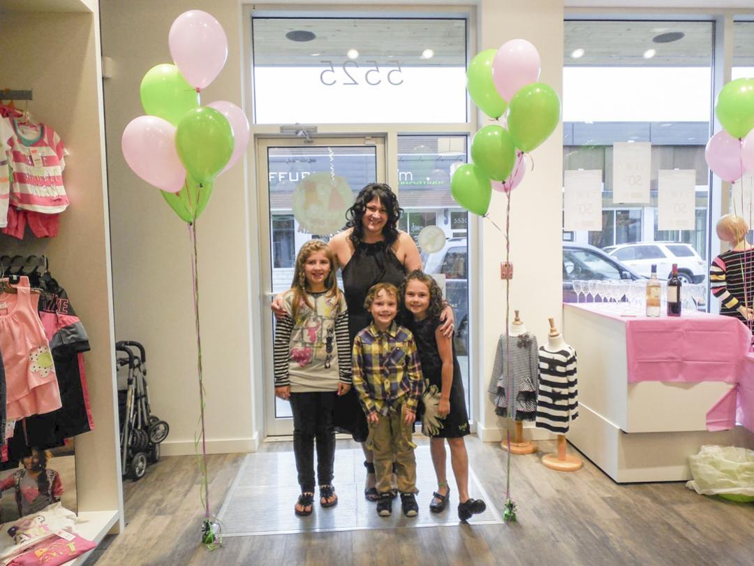 clients/au-coin-demillia-boutique-pour-enfants/pres_au-coin-demillia-boutique-pour-enfants-inaugurationaucoindemillia-2-2-162030.jpg